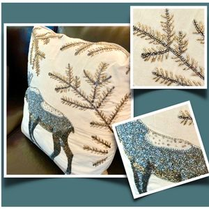 NWT- STUNNING HOLIDAY MOOSE PILLOW